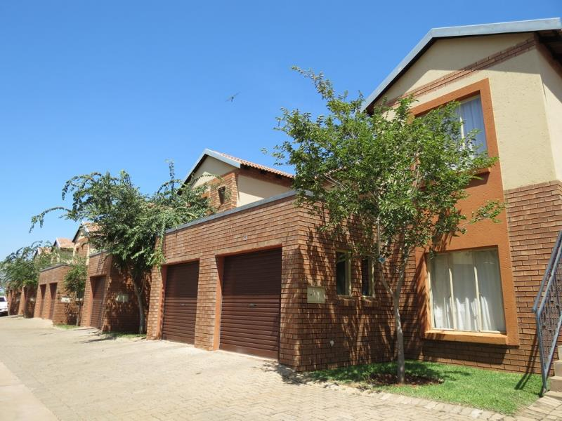 2 Bedroom  Flat for Sale in Lephalale - Limpopo
