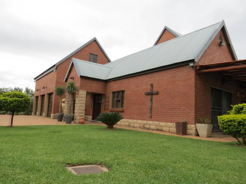 4 Bedroom  Smallholding for Sale in Lephalale - Limpopo