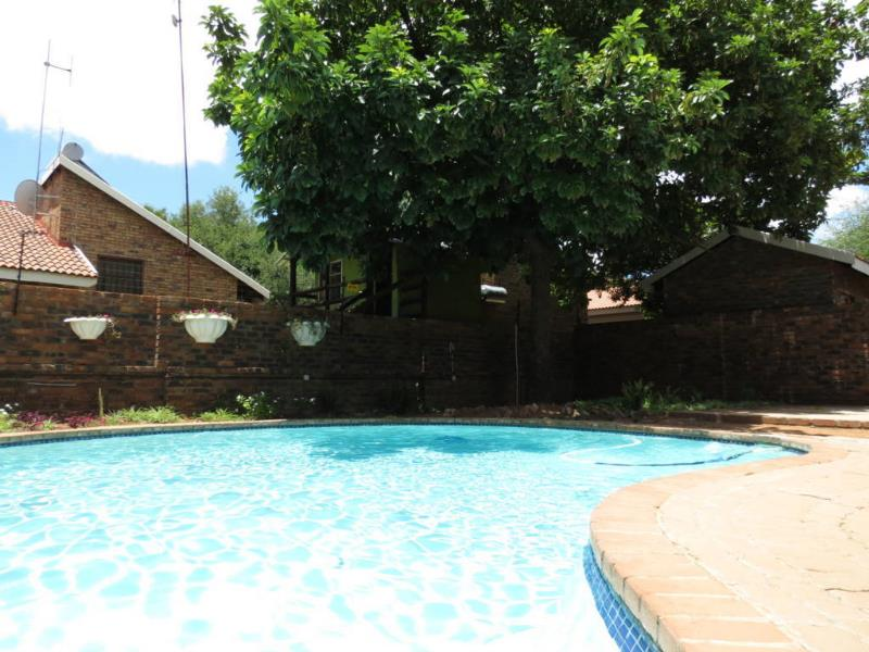 7 Bedroom  House for Sale in Lephalale - Limpopo